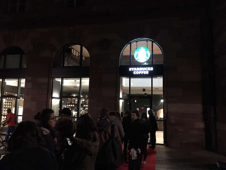 Ouverture Starbucks exterieur