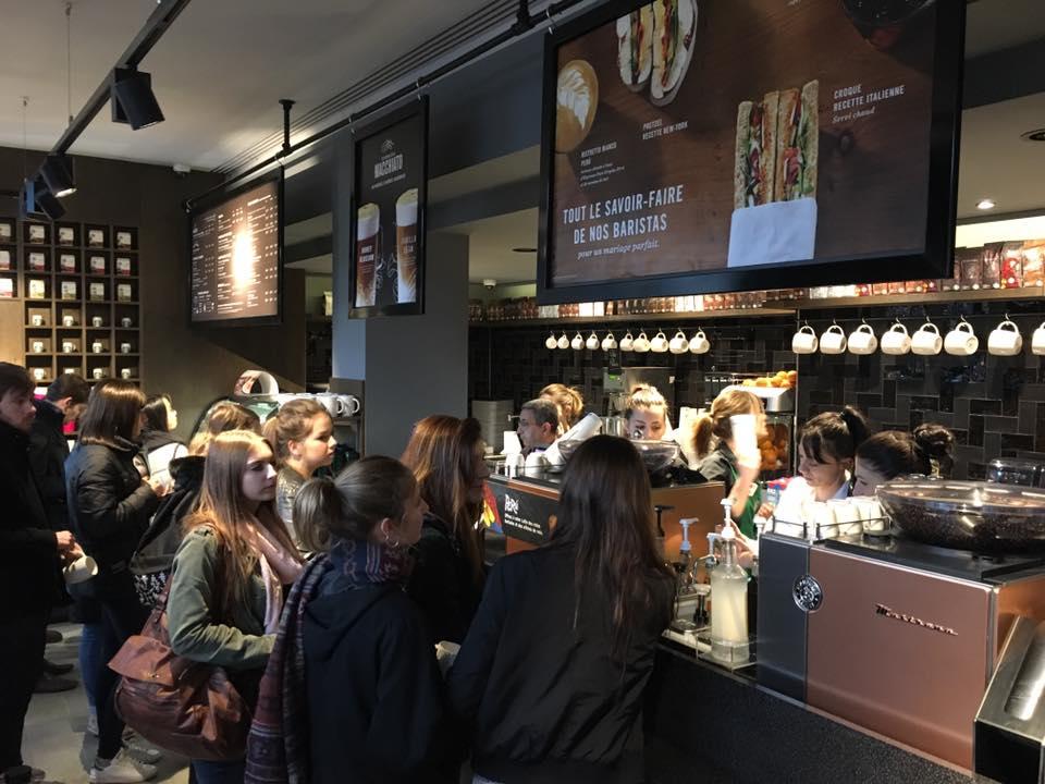 Ouverture Starbucks interieur 2